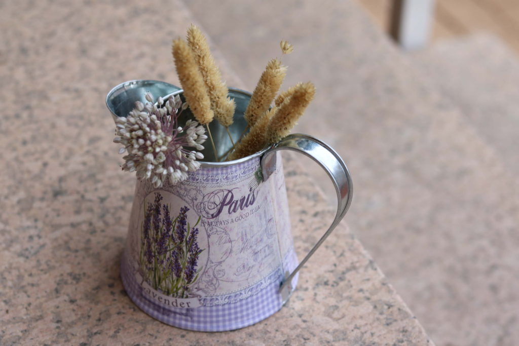 jarra hojalata flores. ideasdecasa