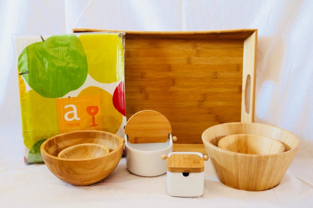 Ensaladera, bandeja y azucareo de bambu. Ideasdecasa